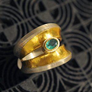 Goldschmiede karlsruhe unikatschmuck riegels-winsauer Ring smaragd Gold Silber