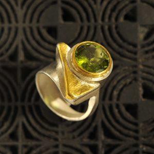 Goldschmiede karlsruhe unikatschmuck riegels-winsauer Peridot Gold Ring