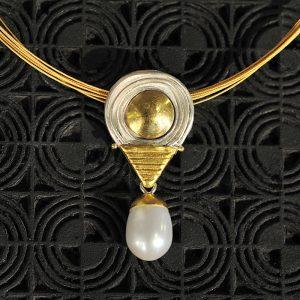 Goldschmiede karlsruhe unikatschmuck riegels-winsauer perlen gold collier