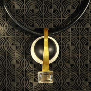 Goldschmiede karlsruhe unikatschmuck riegels-winsauer kristall silber gold ebenholz collier