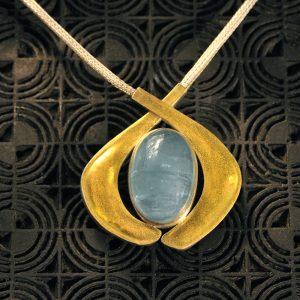 Goldschmiede karlsruhe unikatschmuck riegels-winsauer aquamarin gold collier silber