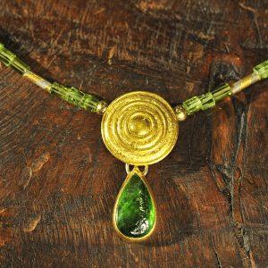 Goldschmiede karlsruhe unikatschmuck riegels-winsauer turmalin gold collier