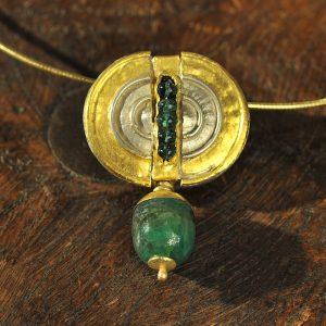 Goldschmiede karlsruhe unikatschmuck riegels-winsauer smaragd silber gold collier