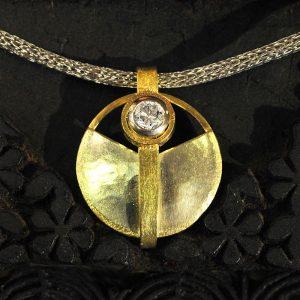 Goldschmiede karlsruhe unikatschmuck riegels-winsauer Collier Brillant Gold