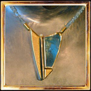 Aquamarin 77 kt, Brillant 0,20 kt, 999 Feingold, Sterlingsilber, Aquamarinkette auch separat zu tragen