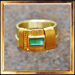 Herren-Ring, grüner Turmalin, 750-Gelbgold, 999-Feingold